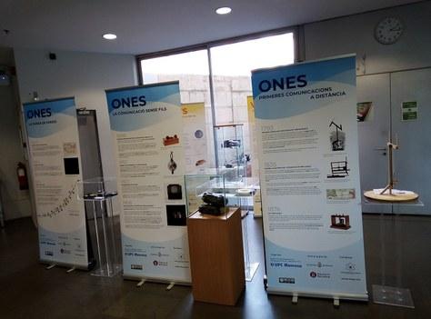 """L'exposició """"Bits, Volts i Ones: La història de les TIC"""" viatja a la Biblioteca Gabriel Ferraté"""