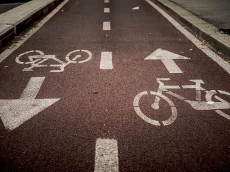 La Cámara y diferentes entidades del Bages piden impulsar un nuevo modelo de movilidad con la creación de una red intermunicipal de carriles bici